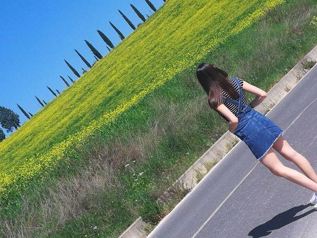 crete senesi Contemplazione Toscana, Val D'Orcia, The Earth 💚 Day Beautiful Colors Colorized Low Section Child Grass