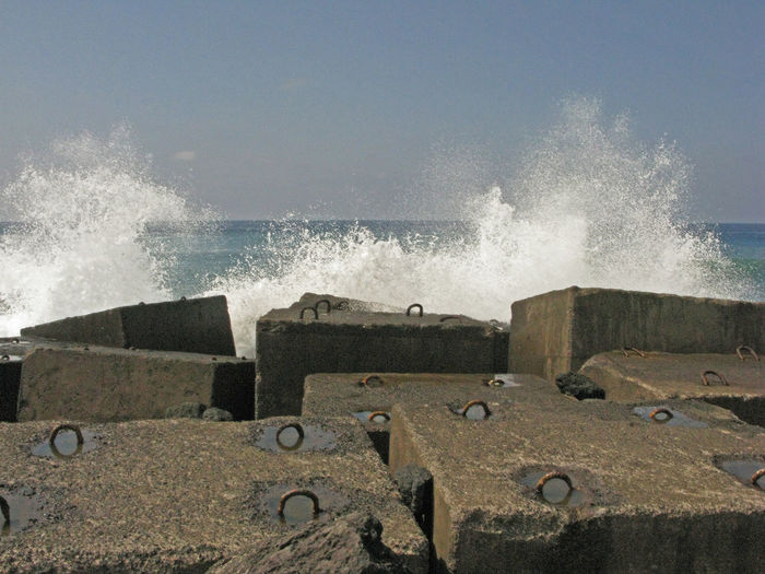 Brandung - surf - ojeaje Brandung Crash Day Motion Nature No People Ojeaje Outdoors Power In Nature Sea Sky Splashing Surf Tenerifelicidad Water Wave