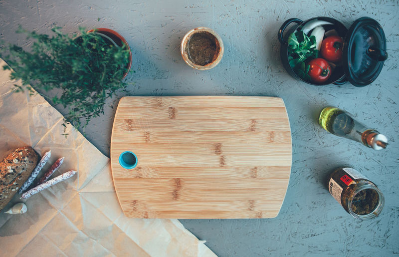 High angle view on cutting board