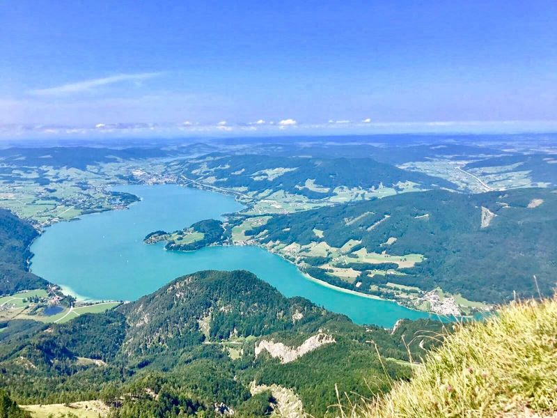 Was für ein grandioser Ausblick vom Schafberggipfel 🙌 Schafbergspitze Salzkammergut View From Mountain Lake View Lake Clouds Beauty In Nature Scenics - Nature Tranquil Scene Tranquility Water Sky Nature Mountain Day No People Landscape Idyllic Land High Angle View Outdoors