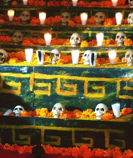 Catrina Day Of The Dead Querétaro Desfile Dia De Muertos Dia De Los Muertos Skulls💀 Mask Carnival DIA DE MUERTOS Multi Colored Candy ❤ Dulces Panteon