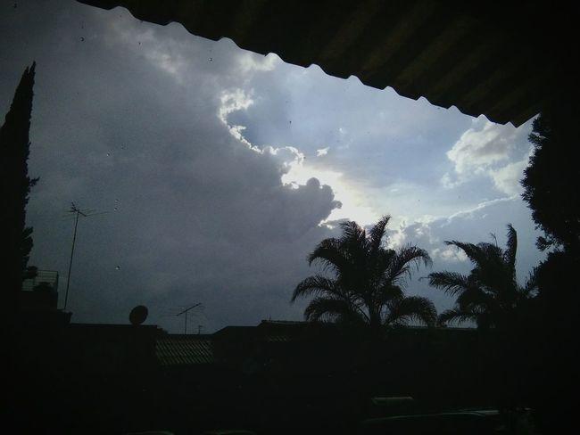 Tarde de lluvia Lluvia <3