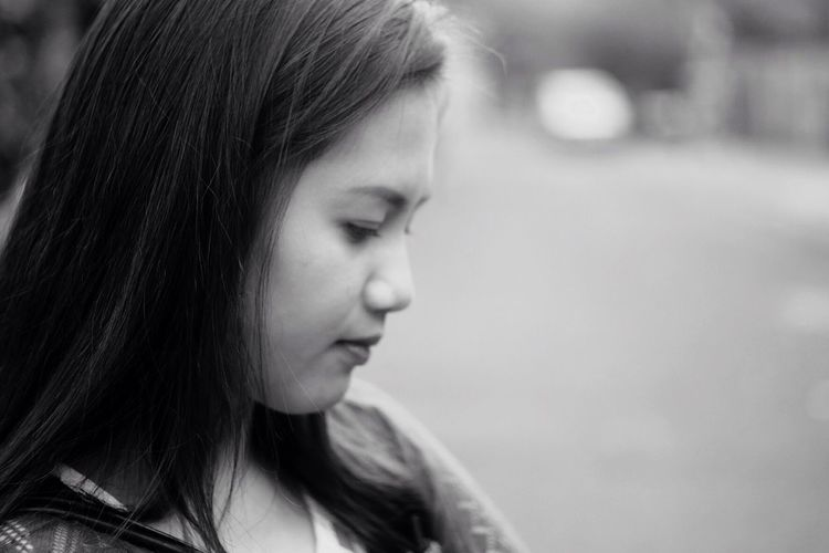 Close-up of a thoughtful teenage girl
