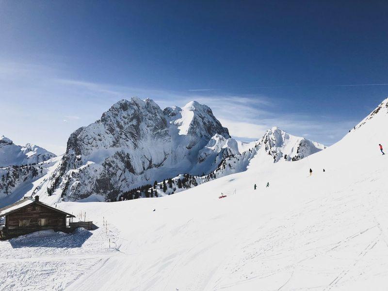 ski day EyeEmNewHere Saanen Switzerland Skiing ❄ EyeEm Selects Snow Cold Temperature Mountain Winter Snowcapped Mountain Nature Mountain Range Outdoors Landscape