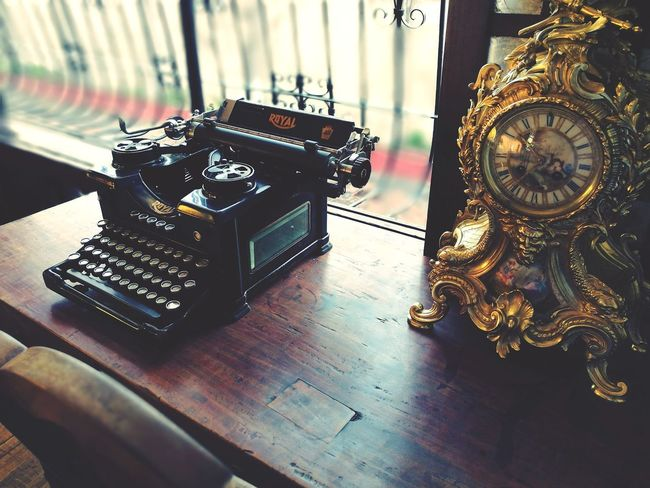 Vintage Vintage Photo Vintage Photography TypeWriters Vintageclock Eyeem Philippines Arts Culture And Entertainment HuaweiP9 HuaweiP9Photography Thepast Still Life Photography EyeEmNewHere