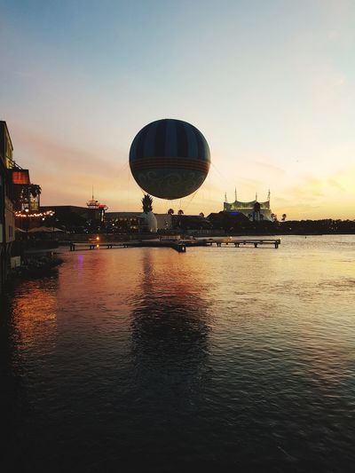 May,2018 Orlando FL Balloon Sky Travel Lovethisplace Sunset Beautiful Day Reflection Sport Waterfront