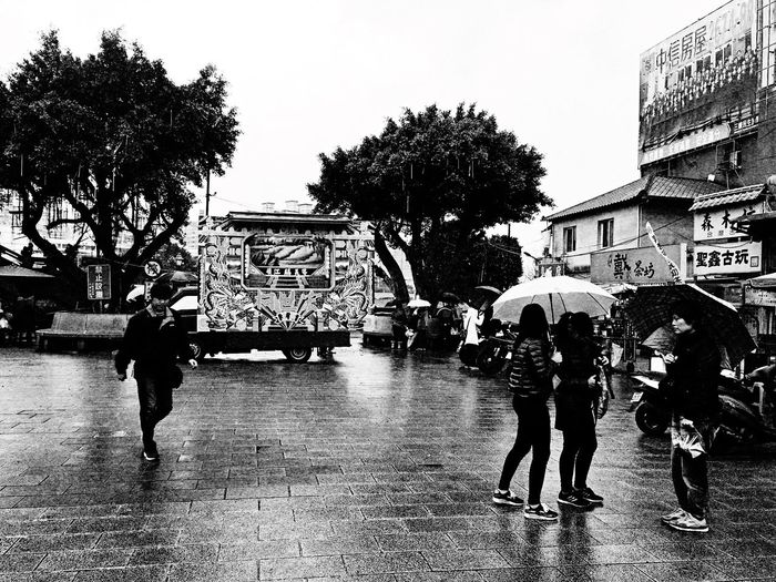 Temple square。 EyeEm Gallery EyeEm Best Shots - Black + White The Tourist Tradition Rainy Day Temple Plaza