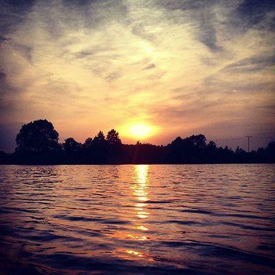 Sky Skypainters Goldengate Sun sunset horizon summertime instasunsets light lights lighting day summer summer2015 colors sunrays instacolor orangesky goldensky water lake