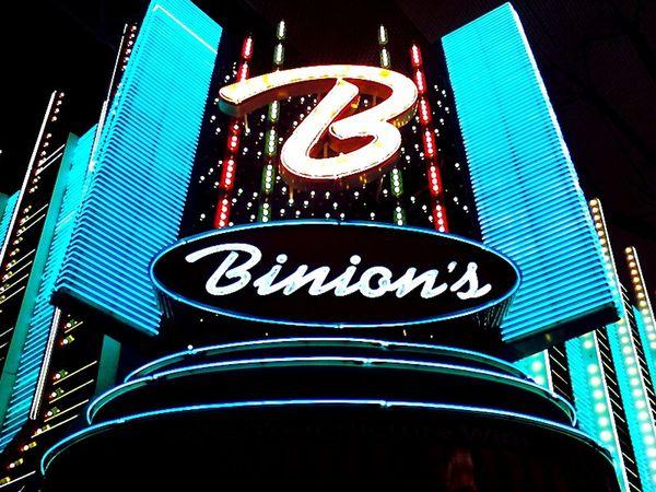 My Mecca Poker Vegas  Wsop Daily Grind  Neon Freemont Street Pokerlife Theoriginal