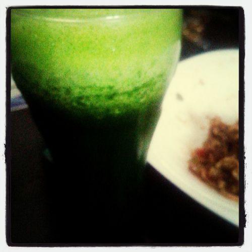 Almoço saudavel , com suquinho verde pra acompanhar Enjoying Life