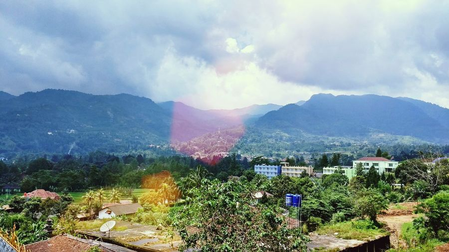Sunny mountains view The Great Outdoors With Adobe Hanging Out Enjoying Life Check This Out Puncak  Mountain View Photooftheday Blue Sky Bogor, Indonesia Beauty In Nature Beautiful Nature Sunny Day The Great Outdoors - 2016 EyeEm Awards