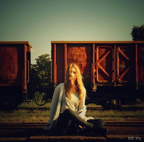 My beauty❤What I Value Girlfriend Beautiful Girl Blonde Train Station Fujifilm Eyeem Hungary Fujifilm Finepix S4800 Portrait Learn & Shoot: Working To A Brief