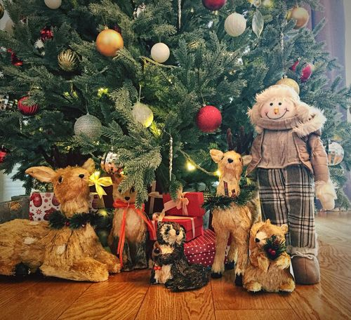 Christmas Christmas Tree Tree Christmas Decoration Celebration No People Indoors  Home Interior Stuffed Toy Christmas Ornament Christmas Lights Close-up Toys