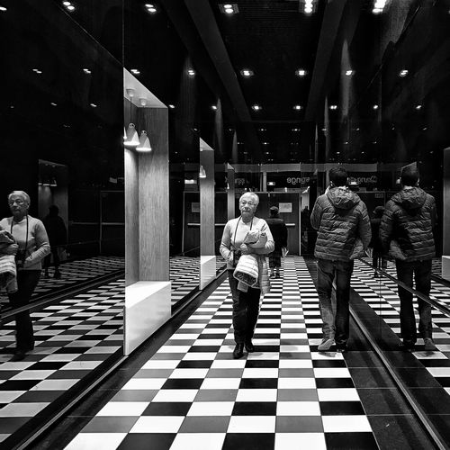 Commercial Centre  Corridor 😀 Grand Mail Saint Paul Les Dax Landes France Squared People Mirror Reflection Photooftheday Iphonephotography Bnw IPhoneography Mobilephotography Iphonographie Iphoneonly EyeEm EyeEm IPhoneography Outofthephone Iphonephotooftheday Snapseed Light