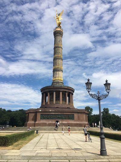Famous Place Tourism Statue Travel Destinations Sculpture Human Representation Monument Travel International Landmark Tourist Architectural Column Victory Column Art Art And Craft Capital Cities  Tower Tall - High Built Structure Architecture Memorial