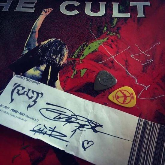 Autograph Mylove Thecult Bestband Billyduffy Ianastbury Johntempesta Damonfox Vinyl Vinyl Records Guitarpick Text Communication Paper Indoors  Adult Day People