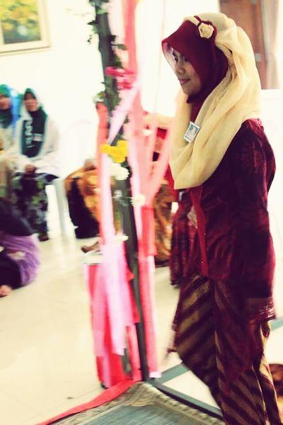 Tesly{} Muslim Woman