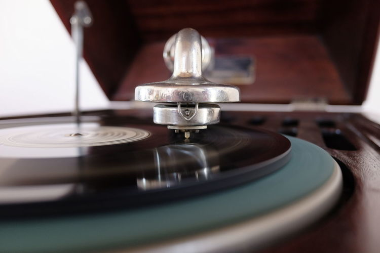 old record player Music Turntable Record Arts Culture And Entertainment Retro Styled Indoors  Gramophone Record Player Needle Selective Focus Musical Instrument Close-up Audio Equipment Equipment No People Spinning Technology Musical Equipment Playing Nostalgia
