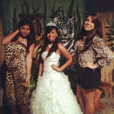 con la quinceañera ???? tan Bella ? Beautiful 15 Quincea ñero Cute friends smile follow happy instapic instahappy