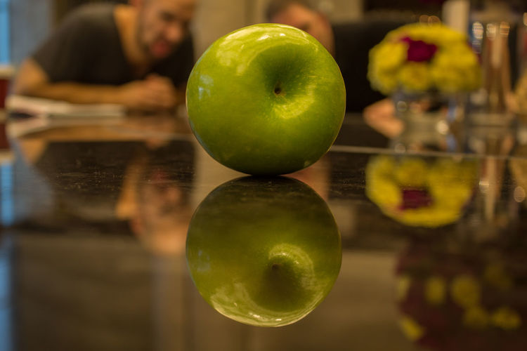 Apple Reflection Apple On Table China Close-up Day Food Food And Drink Freshness Fruit Green Apple Green Color Guangdong Healthy Eating Indoors  No People Reflection Table