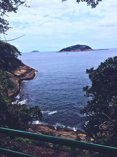 Observe o horizonte e sinta ad vibrações. ✌ Tree Beauty In Nature Water Scenics Sea Nature First Eyeem Photo