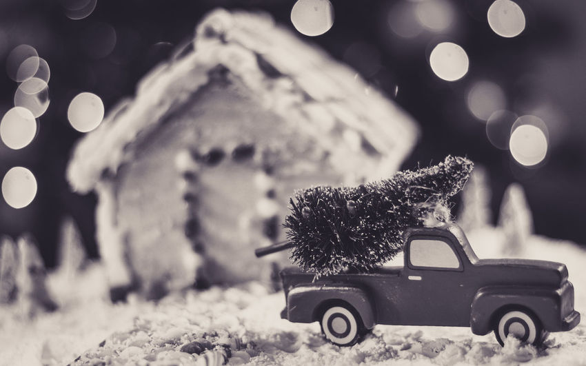 Gingerbread house Truck Gingerbread House Red Truck Gingerbreadhouse Background Christmas Bokeh Christmas Tree Christmas EyeEm Selects Snack Food Treat Bokeh Candy Cane Holidays Candy Candycane  Christmas Decoration Christmas Background Holiday POV Holidays Snow Covered Car Snowing Winter No People Snow Snowflake Outdoors