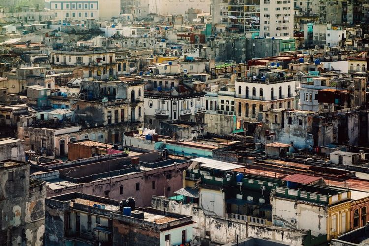 Havanna Cuba EyeEm Best Shots EyeEmNewHere Streetphotography Street Building Cityscape Havana, Cuba Havana Havanna Cuba Travel Architecture Building Exterior City Cityscape Crowded Outdoors Built Structure Day Residential Building Travel Destinations People An Eye For Travel