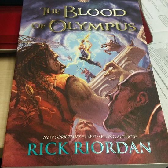 Too bad i got no time to read this now. :'( Bloodofolympus Rickriordan Heroesofolympus Percyjackson ProphecyofSeven