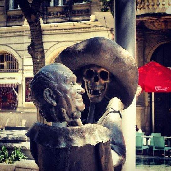 Pirates in Budapest 2007 Theater Makebelieve sculpture streetphotography art publicart