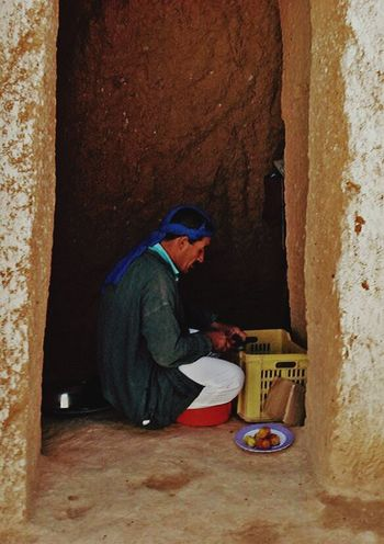 Tunisia Desert One Man Only Men Traditional Culture Traditional Clothing Traditionalfood The Secret Spaces