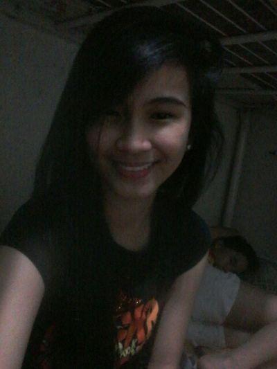 "Unique ♡♥ ang cute ng smile ko.:"") mehehe."