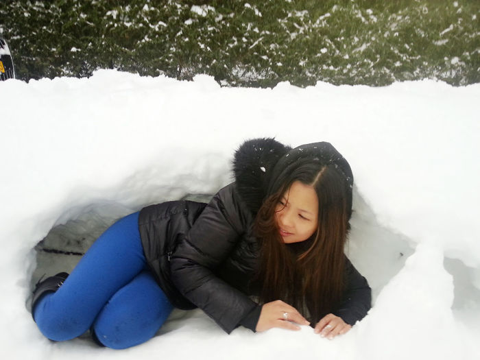 Snow ❄ Trying To Hide! Secret Hide Out Love It