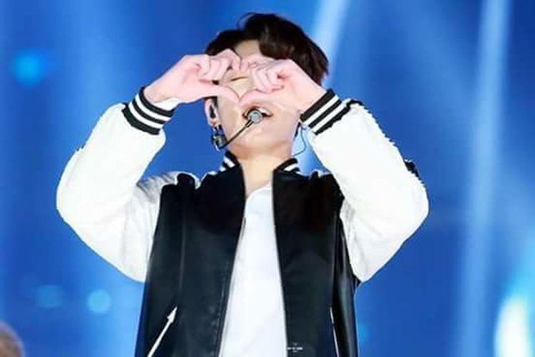 사랑함니다 남자칭구, 정국아!💖 Kookie Golden Maknae Bangtan Kyeopta Jeon Jungkook Heart Heart