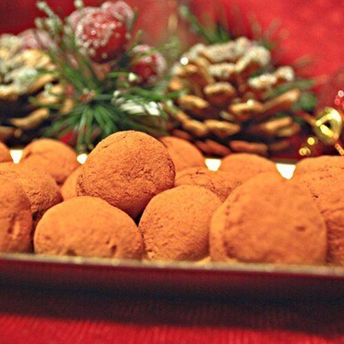 Holiday Desserts Truffles Truffes Chocolate Christmas Dessert Food My World Of Food The Culture Of The Holidays Truffle Truffe French Truffles Festive Food Table Temptation