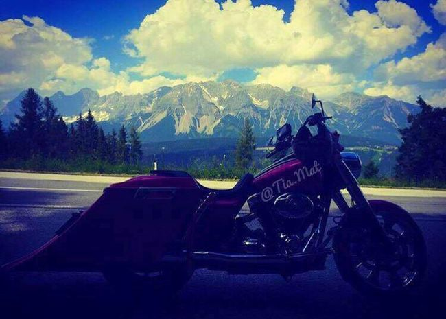 Motorcycle Transportation Sky Mountain Cloud - Sky Mode Of Transport Road Land Vehicle Day Landscape Outdoors Nature No People Harleydavidson Harley Davidson Baggerstyle Pink Color Austria Austria ❤ Nature