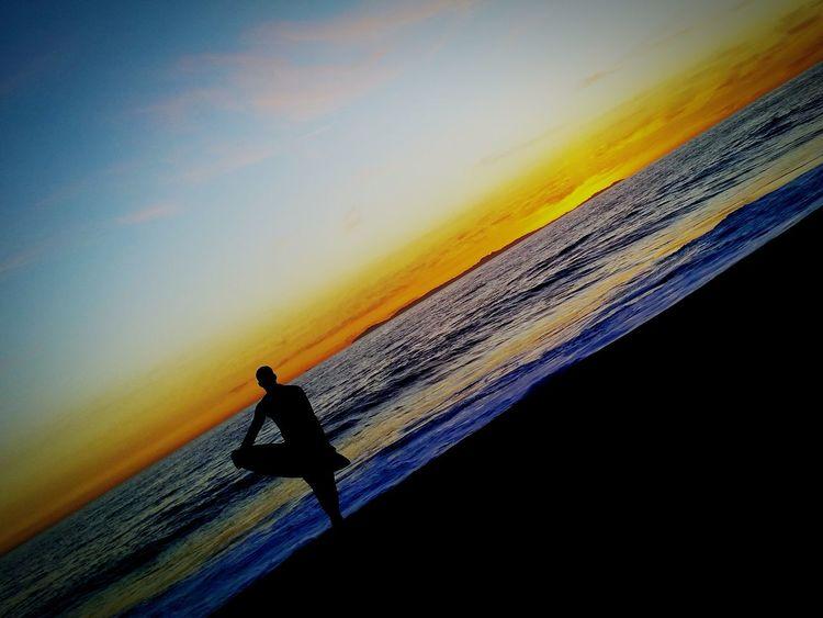 Skimboarding Big Swell Shorebreak Waiting For The Perfect Wave Last Ride