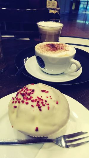 Coffee Time Coffee Break Coffee And Cake Muffin Vintage Photography Eating Enjoying Life DELICIOUS FOOD ♡ Delicious Cake  Delicious Food