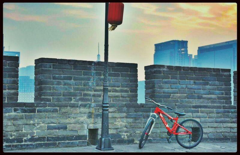 去西安必须做的一件事:在城墙上骑自行车! Hello World