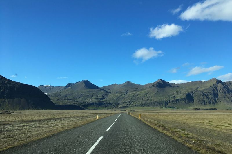 Route d'Islande / Iceland Road EyeEmNewHere Islande Icelandic_explorer Icelandic Nature Iceland Memories Iceland Iceland Trip Sky Road Mountain Transportation The Way Forward Direction Symbol Road Marking Landscape Tranquility No People Cloud - Sky First Eyeem Photo EyeEmNewHere The Traveler - 2018 EyeEm Awards The Traveler - 2018 EyeEm Awards