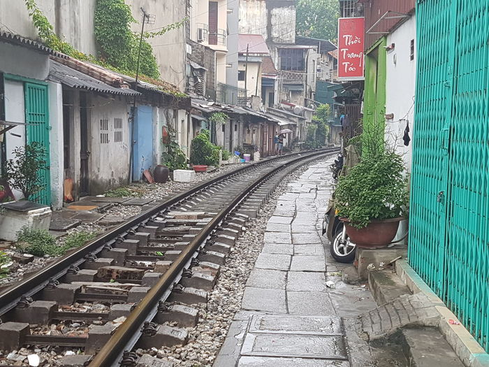Ha Noi Rail Village Ha Noi City Vietnam Railway Track Railway Village Life Village First Eyeem Photo Railroad Track Railways_of_our_world Railroad Tracks Railfans_of_instagram Railway_nerds Ha Noi Railway Ha Noi Rail Railway Tracks Embrace Urban Life Adapted To The City