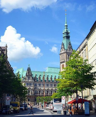 Hamburg Hamburg Hafencity Hafencityhamburg Architecture Rathaus Travel Traveltheworld Travel_2_germany Street Springingermany Spring City Explore Explorenewplaces Beautiful Reise Deutschland Germany Europe Travelgram Instatravel Instamoment