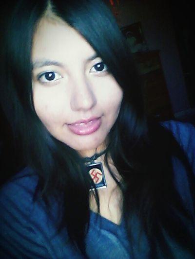 Pretty Smile Eyes 🌚🐷