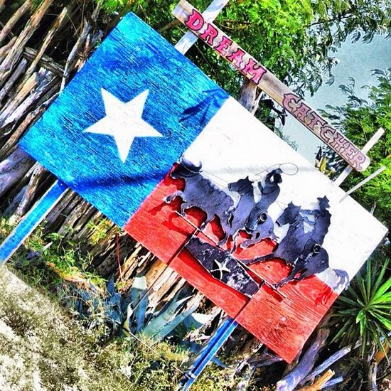 Happy Texastuesday my friends just a little Souvenir from Zapataranch . Texaspride southtexas teamroping texas southtexas igtexas texasinstagram