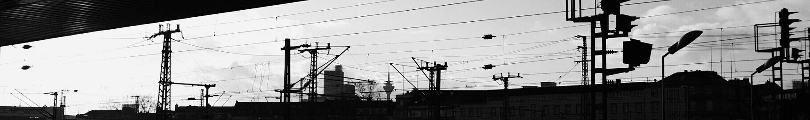 Düsseldorf HAUPTBAHNHOF Hi! Black And White Clouds And Sky Blackandwhitephotography Public Transportation adeus ....