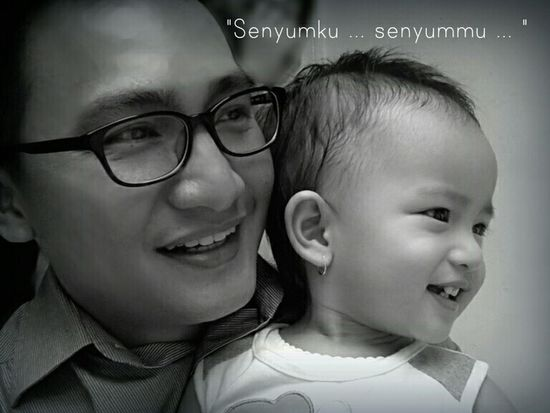 B&W Portrait A Dad&Daughter Momment INDONESIA Minahasa