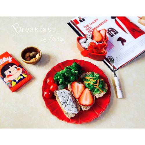 紅色食慾感超強的早餐 Hello World Vegetarian Vegetarian Food Food Enjoying Life Breakfast