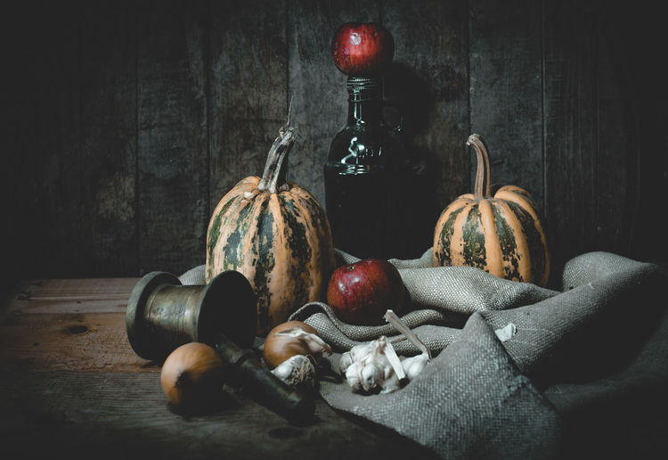 Still life Indoors  Still Life Food And Drink Healthy Eating Fruit Food No People Wellbeing Vegetable Table Freshness Wood - Material Close-up Container Apple - Fruit Red Vignette Wall - Building Feature Variation Jute