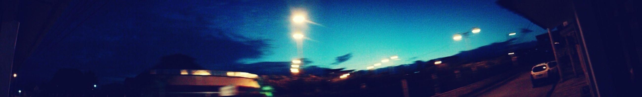 asi luce hoy l cielo son las 6 y 40 pm pero parece q va a llover mas.fuerte q ayer.. Sunset