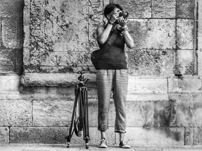 Women Full Length Standing Musician Photography Themes Camera - Photographic Equipment Camera Lens - Eye Photographing Walking Cane Photographic Equipment Digital Single-lens Reflex Camera Screen Tripod Photographer SLR Camera Low Section Digital Camera Lens - Optical Instrument