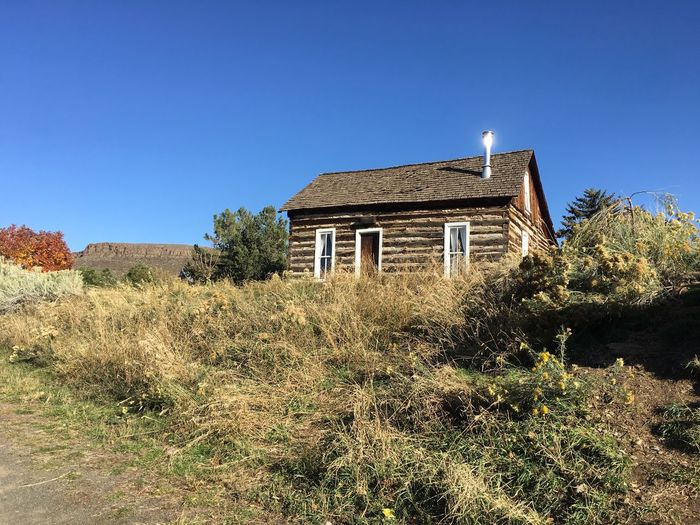 Clear Sky Farmhouse House Old-fashioned Weathered